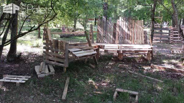 Big Banc / Huge Pallet Bench Pallet Benches, Pallet Chairs & Stools Pallets in the Garden