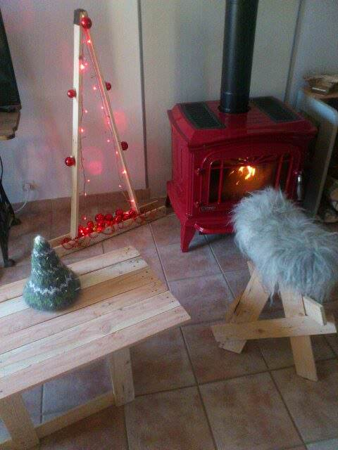 Christmas Tree, Table & Stool Pallet Benches, Pallet Chairs & Stools
