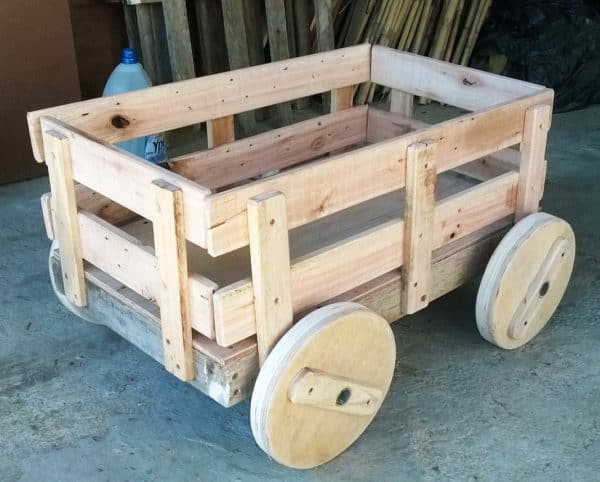 Pallet Child Cart Fun Pallet Crafts for Kids