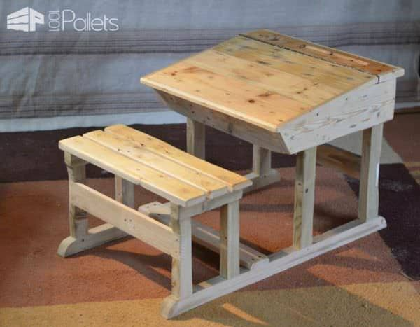 Pupitre D'Enfant / Pallet Children Desk Fun Pallet Crafts for Kids Pallet Desks & Pallet Tables