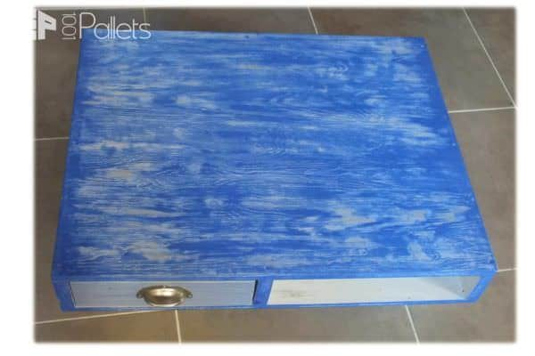 Table basse en bois de palette pallet coffee table for Table basse palette roulette