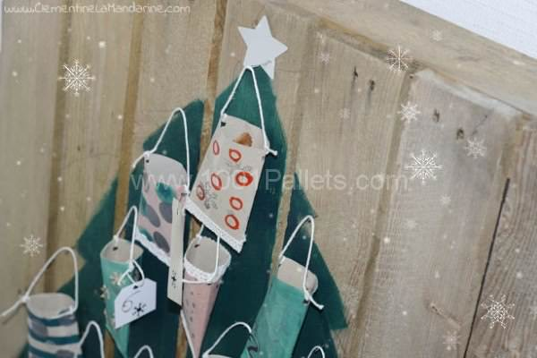 Christmas Tree With One Pallet Pallet Home Accessories Pallet Home Decor
