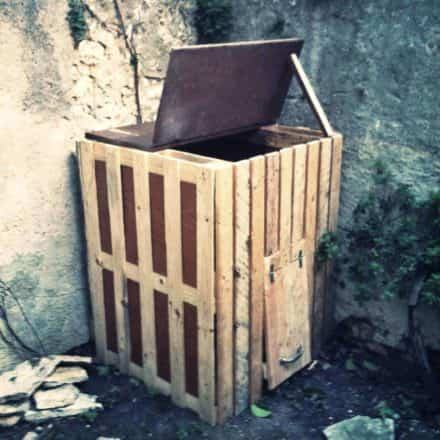 4 Recycled Pallets Composter