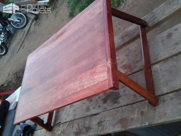 Folding Lap Table from Upcycled Pallet Pallet Desks & Pallet Tables