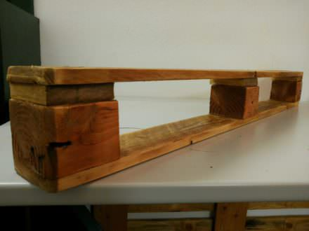 How to Make a Very Simple Pallet Shelf