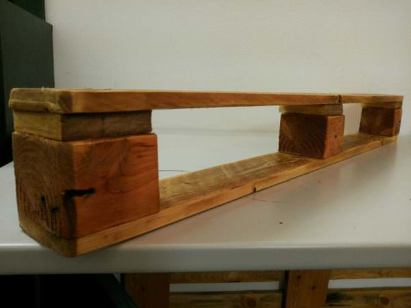 How to Make a Very Simple Pallet Shelf Pallet Shelves & Pallet Coat Hangers Submitted Tutorials