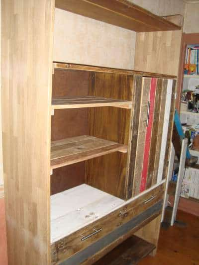 meuble biblioth que en palettes pallets bookcase 1001 pallets. Black Bedroom Furniture Sets. Home Design Ideas