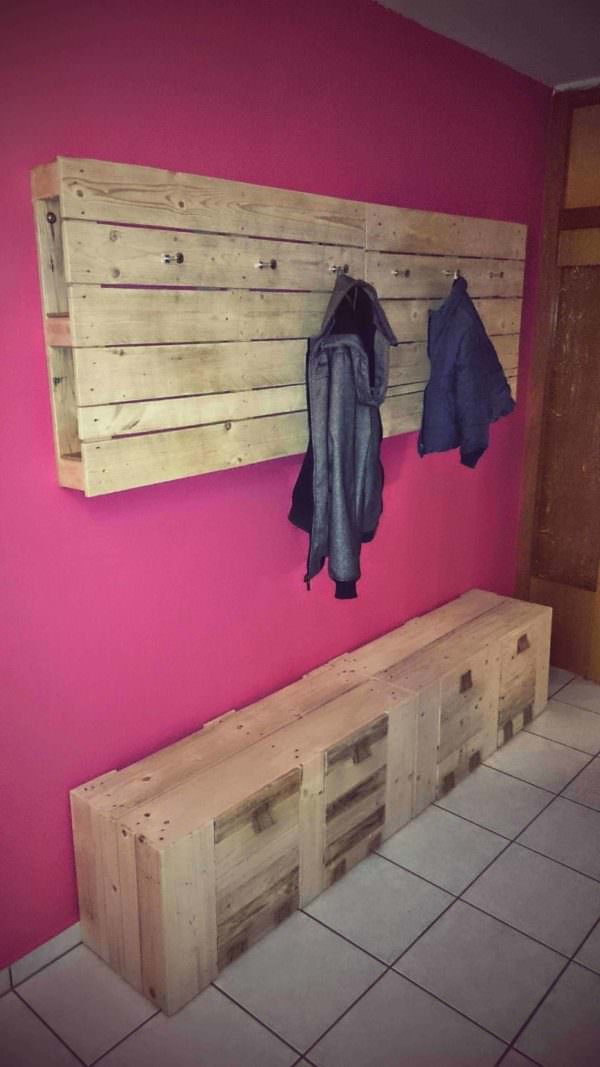 My New Pallet Wardrobe Amp Coat Rack 1001 Pallets