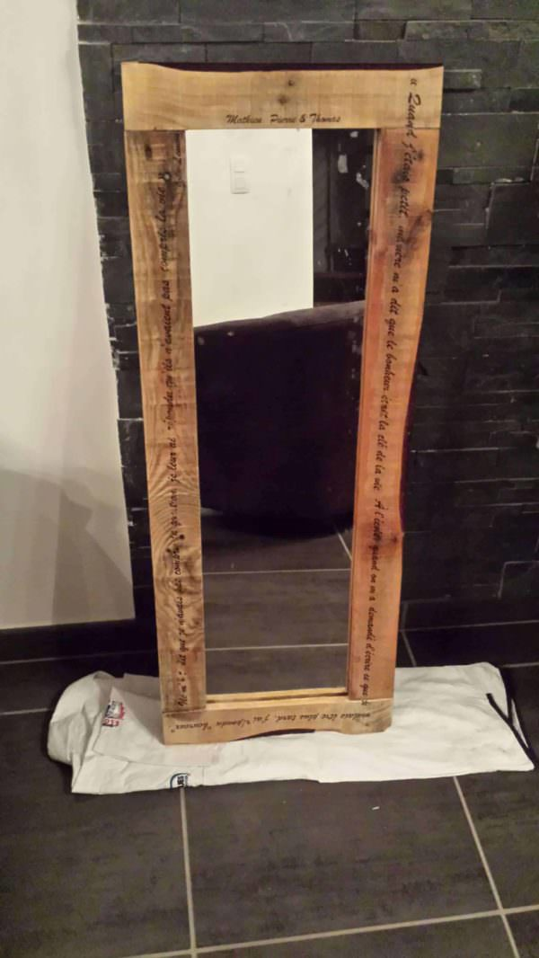 Pallet Mirror / Miroir En Palette Recyclée Avec Inscriptions Pallet Wall Decor & Pallet Painting