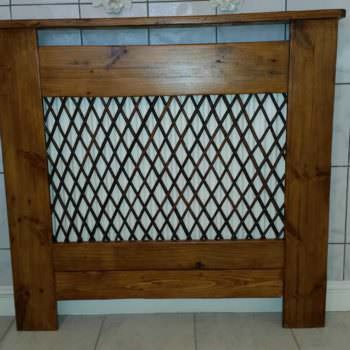 Radiator Cover in the Bathroom Made from Recycled Pallet Wood