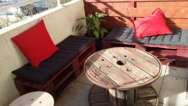 Salon de balcon balcony pallet lounge set 1001 pallets for Salon balcon