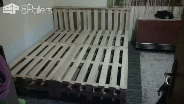 10 Pallets Bed DIY Pallet Bed Headboard & Frame