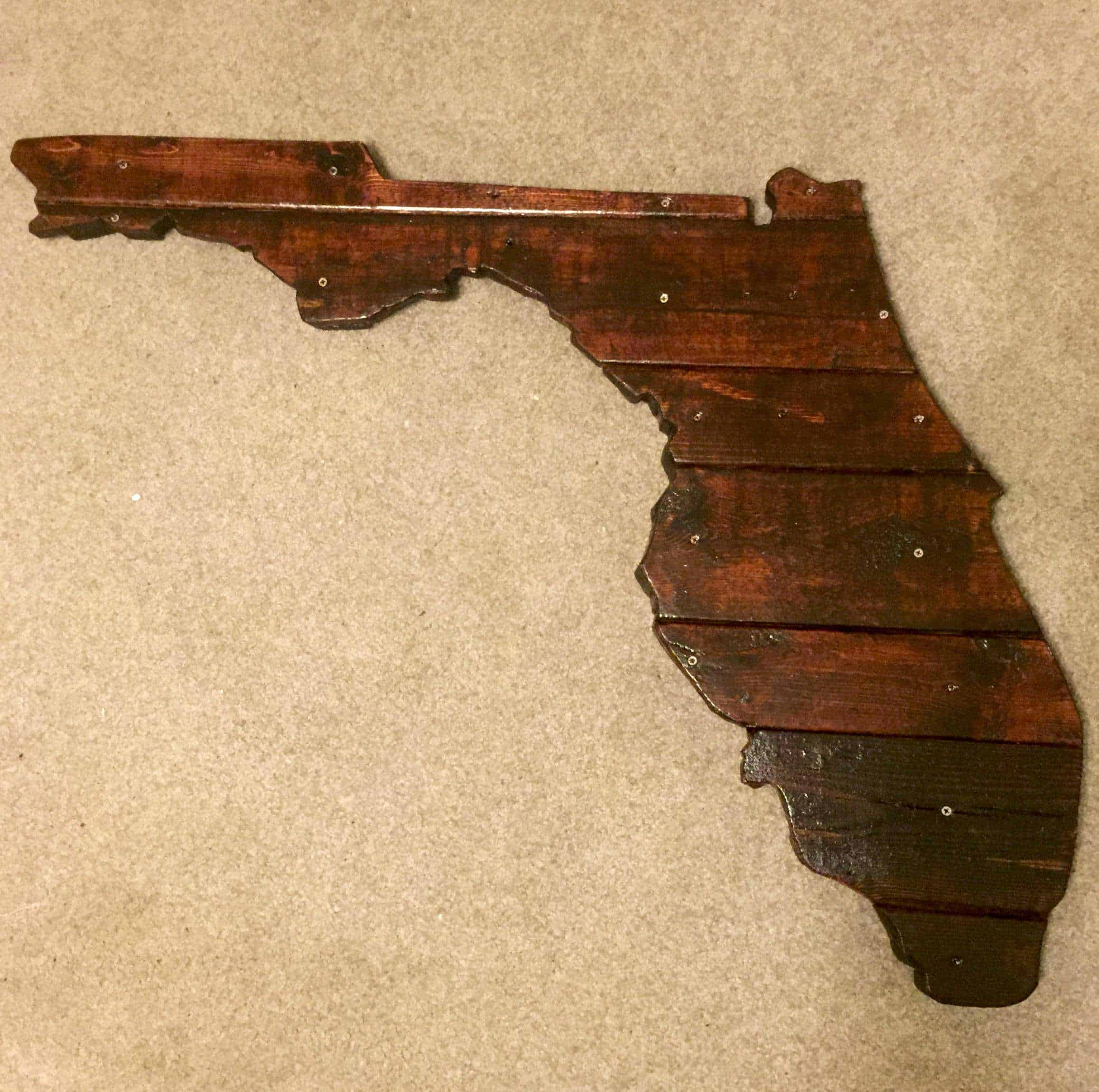 Florida State Outline With Pallets • 1001 Pallets