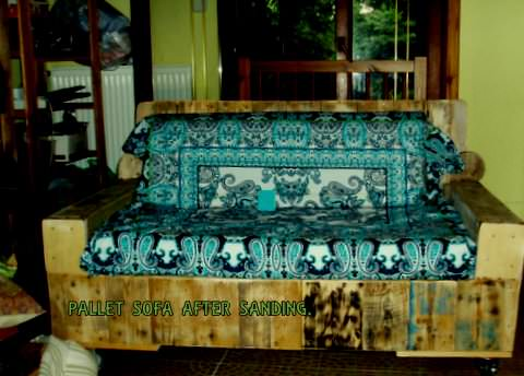 From Stuffed Loveseat to Beautiful Pallet Wood Sofa for Veranda Pallet Sofas
