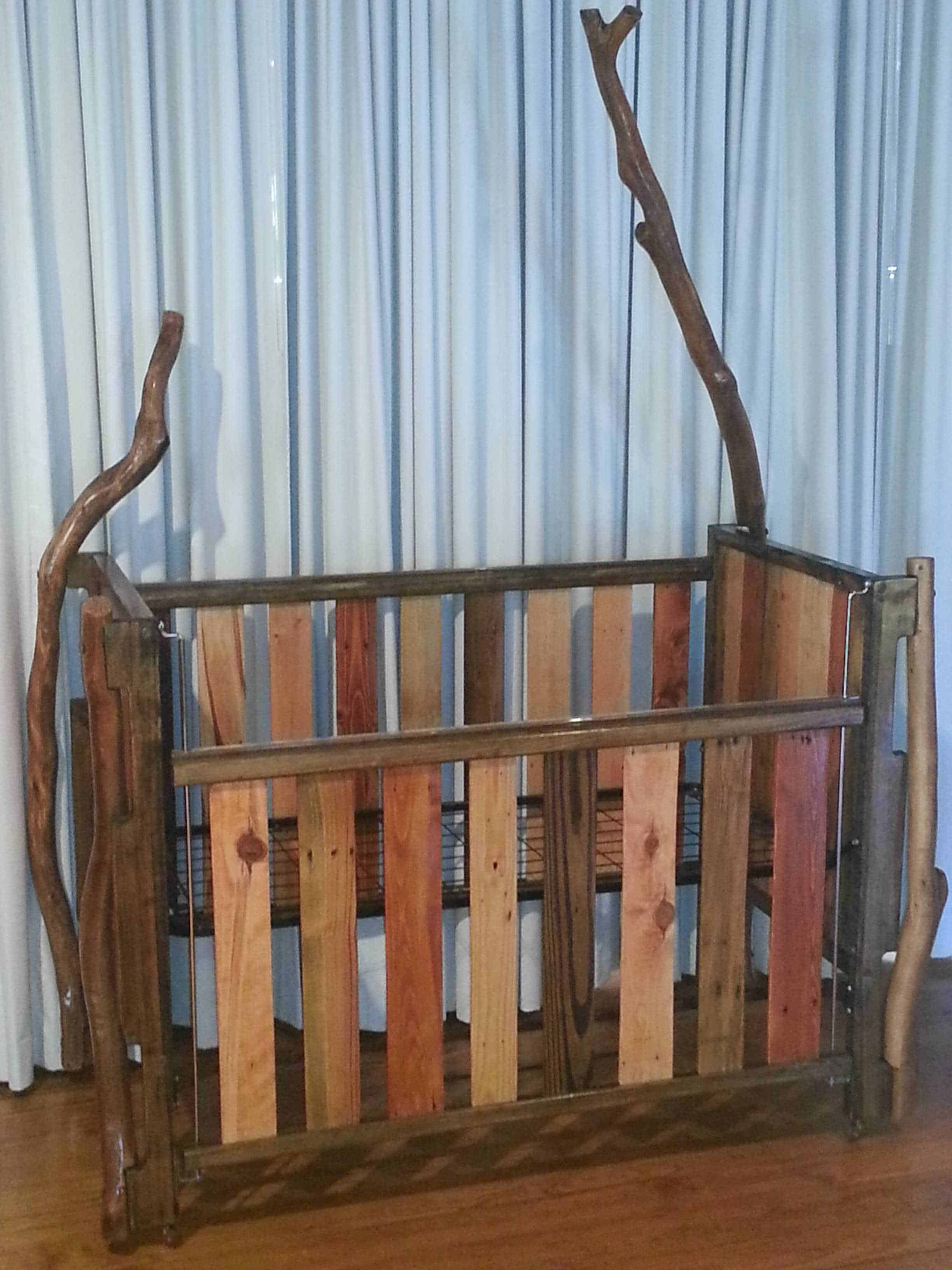 Pallet Crib • Pallet Ideas • 1001 Pallets