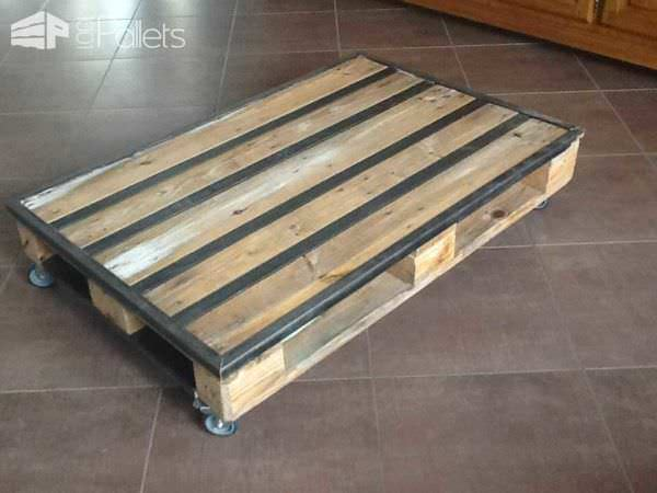 Table basse palette metal pallet metal coffee table for Plaque de verre pour table