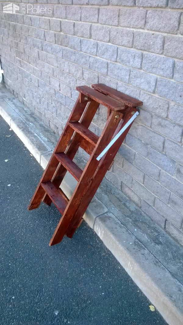 How to Make a Ladder From an Upcycled Pallet Pallet Benches, Pallet Chairs & Stools