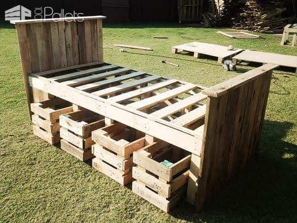 Lovely Pallet Bed Frame DIY Pallet Bed Headboard u Frame