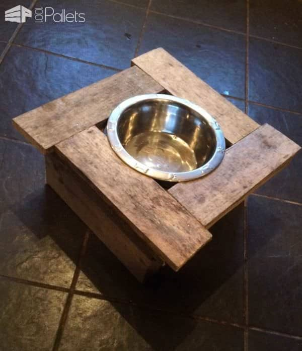 Pallet Doggy Dinner Table Animal Pallet Houses & Pallet Supplies