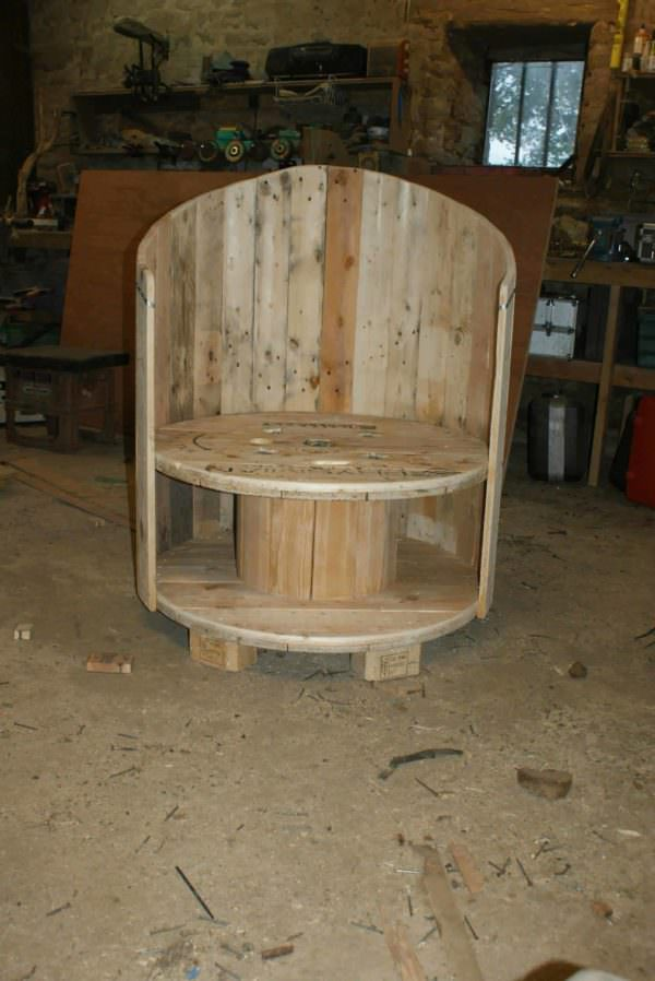 Reclaimed Cable Drum & Pallet Wood Into Chair Pallet Benches, Pallet Chairs & Stools