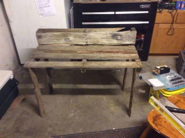 Simple Pallet Plant Table Pallet Desks & Pallet Tables