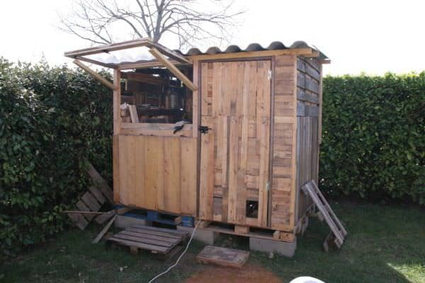 Atelier En Palettes / Upcycled Pallet Workshop Shed Pallet Sheds, Pallet Cabins, Pallet Huts & Pallet Playhouses