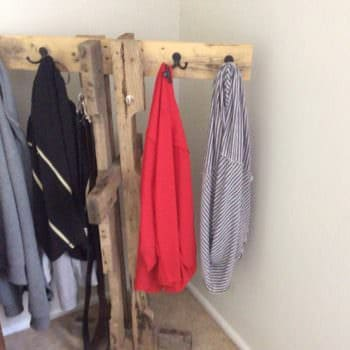 Clothes & Towel Pallet Hanger