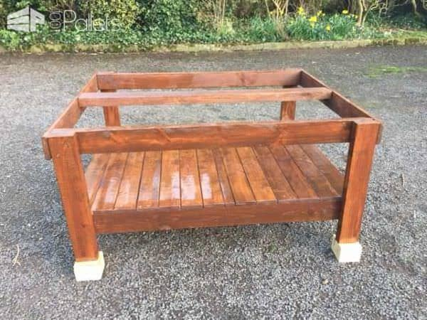 Colored Pallet Garden Table