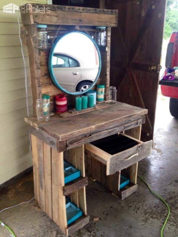 Makeup Vanity Made From Reclaimed Wooden Pallets • Pallet Ideas • 1001 Pallets