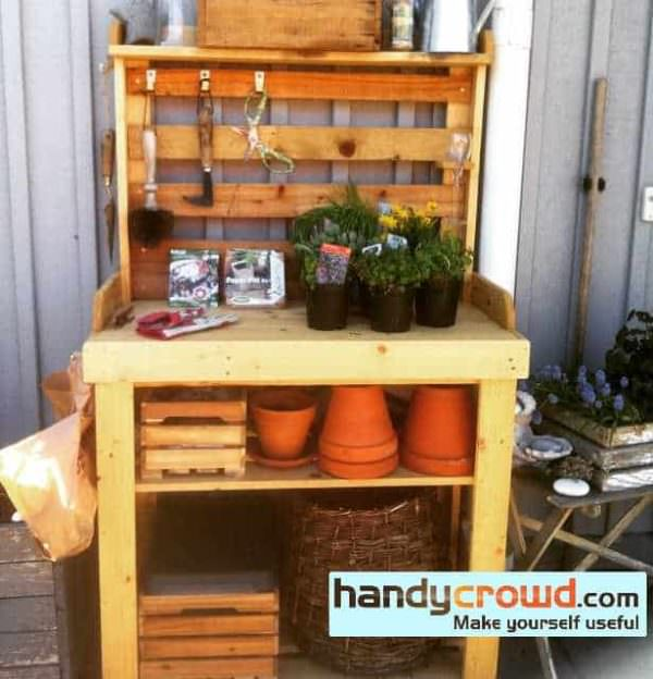 Annikas Potting Bench 2