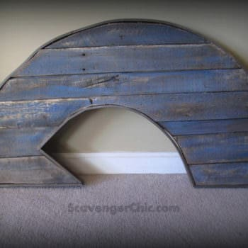 Rustic Pallet Wood Arrow