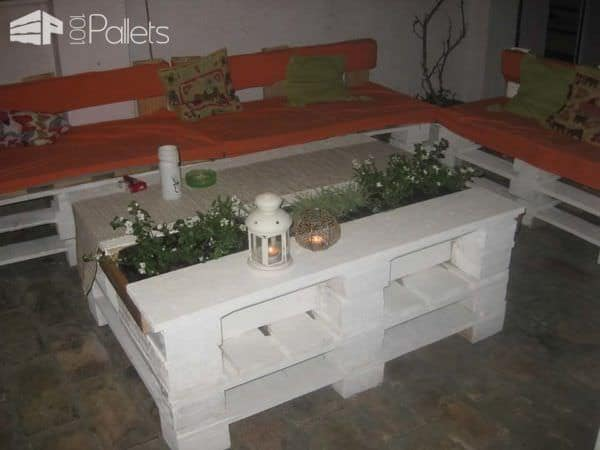 Sto Od Paleta Sa Cvećem / Pallet Coffee Table With Planter Lounges & Garden SetsPallet Sofas & Couches