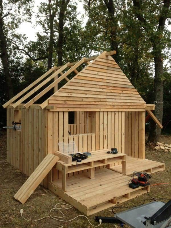 Build Cabin Plans With Loft Diy Pdf Wood Podium Plans Do: Teenager Cabin Made From 19 Wooden Pallets • 1001 Pallets