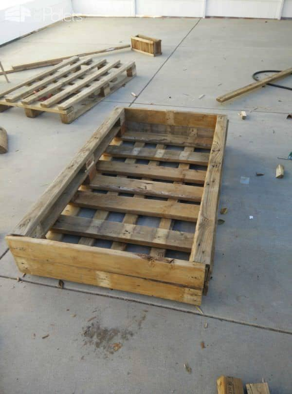 Vegetables & Herbs Planter Pallet Pallet Planters & Compost Bins