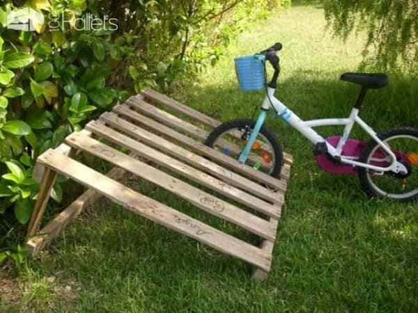 Wooden Pallets as Bike Racks4