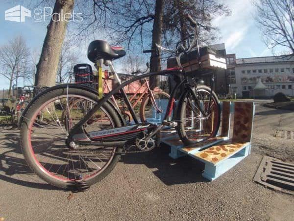 Wooden Pallets as Bike Racks14
