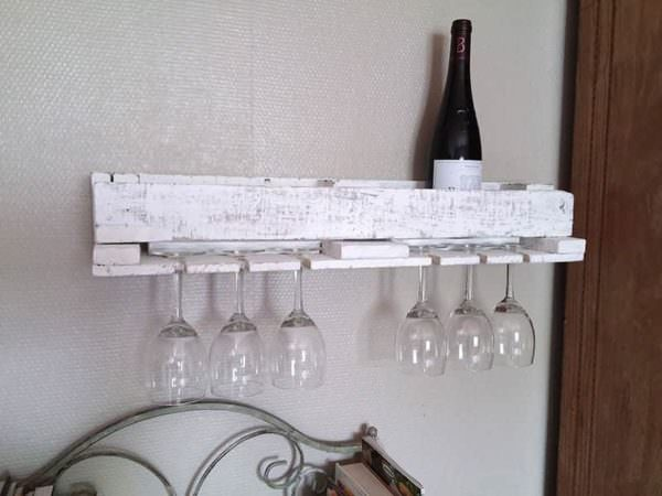 Pallet Bottle Rack And Coat Rack Pallet Shelves & Pallet Coat Hangers