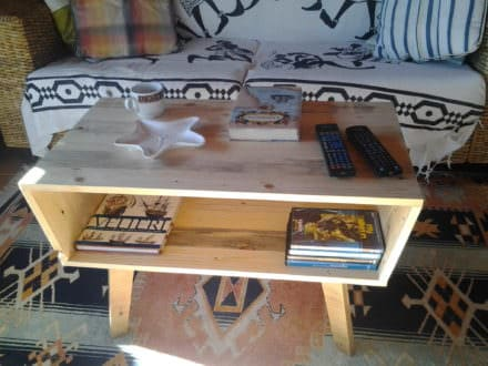 Pallet Coffee Table – 70's Design