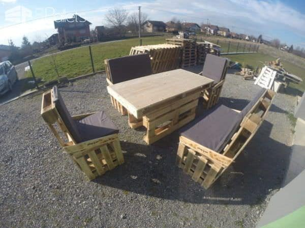 Pallet Dining Set Pallet Benches, Pallet Chairs & Stools Pallet Desks & Pallet Tables