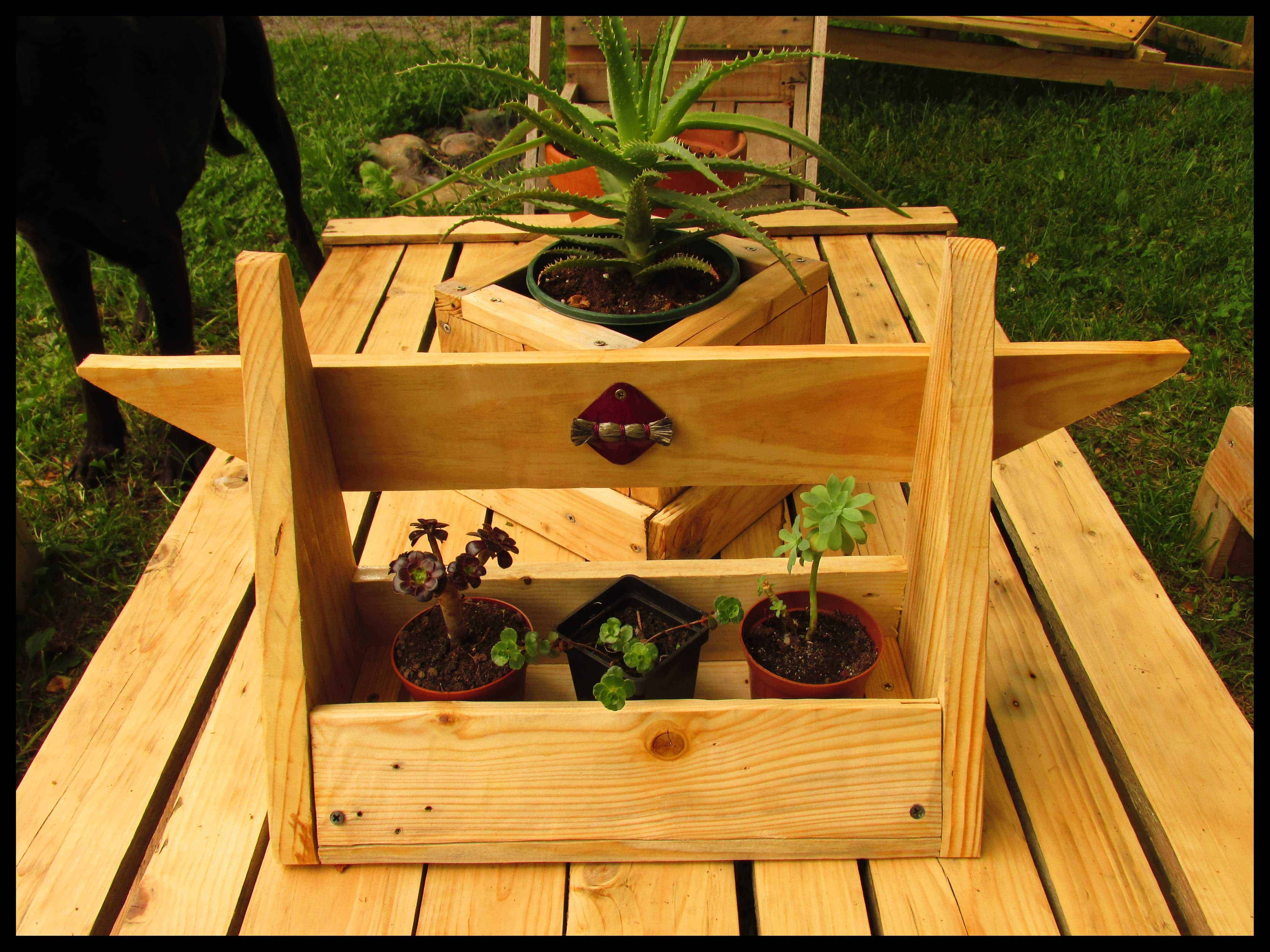 Small Succulent Planters Made Out Of Pallet Wood 1001 Pallets