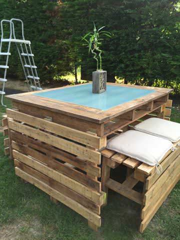 table et bancs de jardin en palettes pallet garden table. Black Bedroom Furniture Sets. Home Design Ideas