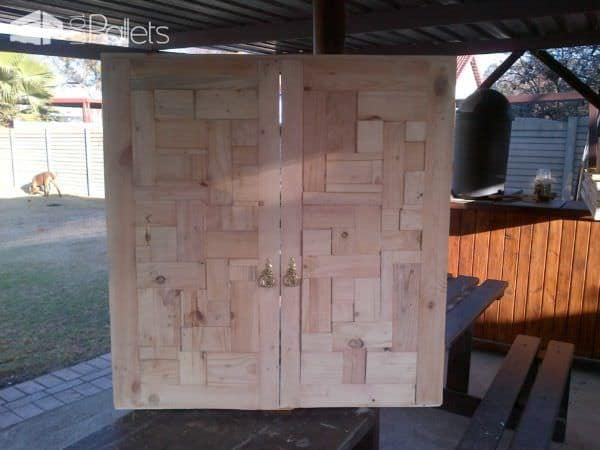 Bathroom Cabinet Door From Pallet Wood Pallet Walls & Pallet Doors