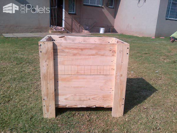 Bedroom Side Table Pallet Boxes & Chests Pallet Desks & Pallet Tables