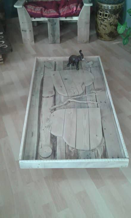 Hearts Pallet Coffee Table