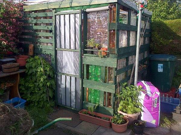 Pallet and Plastic Bottle Greenhouse Pallet Sheds, Cabins, Huts & Playhouses