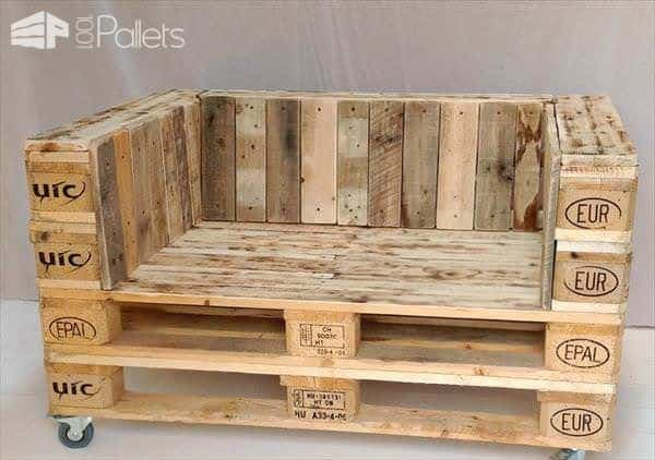 diy-pallet-chair-on-wheels