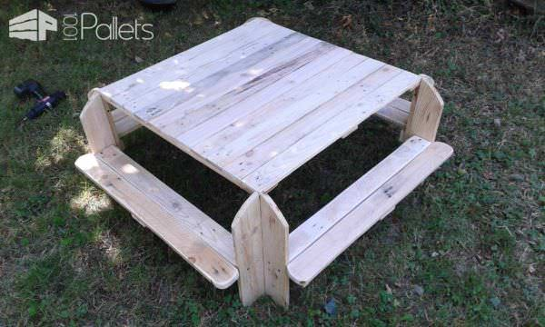 Toddler Picnic Table Fun Pallet Crafts for Kids Pallet Desks & Pallet Tables