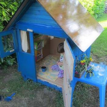 Bohemian Style Pallet Kids Playhouse