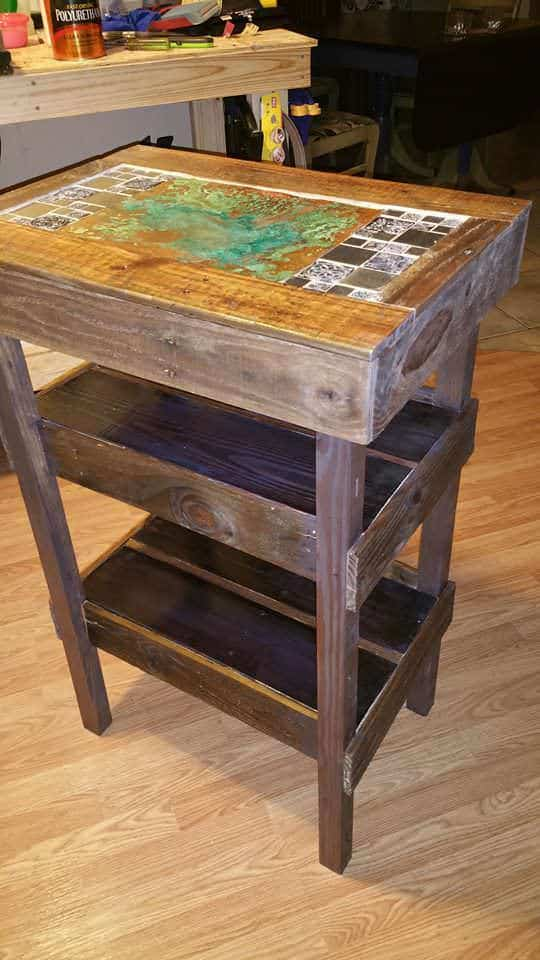 Entrance Stand With Copper & Pallets Pallet Desks & Pallet Tables