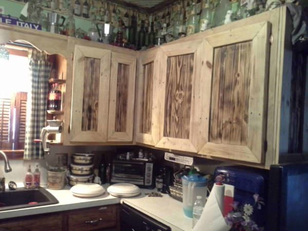 Kitchen items made with recycled pallets pallet ideas - Cupboards made from pallets ...